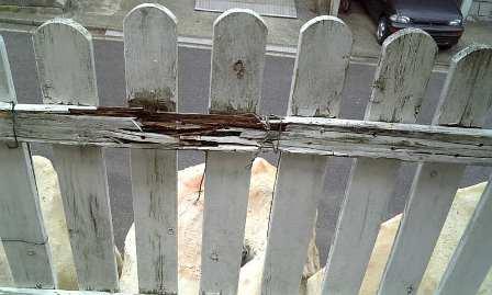 フェンスの腐り
