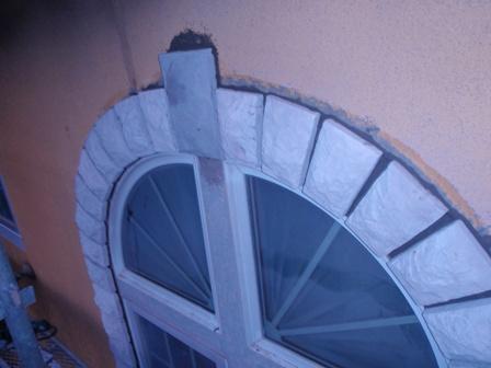 窓R部分のストーン貼り